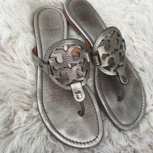 🤩 Tory Burch Miller sandal shoes  metallic